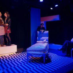 Apparences et faux-semblants : Woody Allen sur la scène du Crève-Cœur