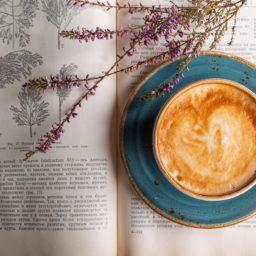 D'après photographie : Un « ça-a-été » dans un café