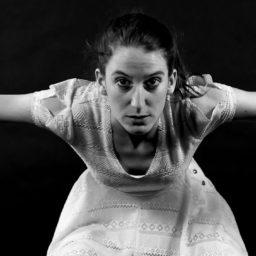 Melinda Perles : la danse pour penser le monde